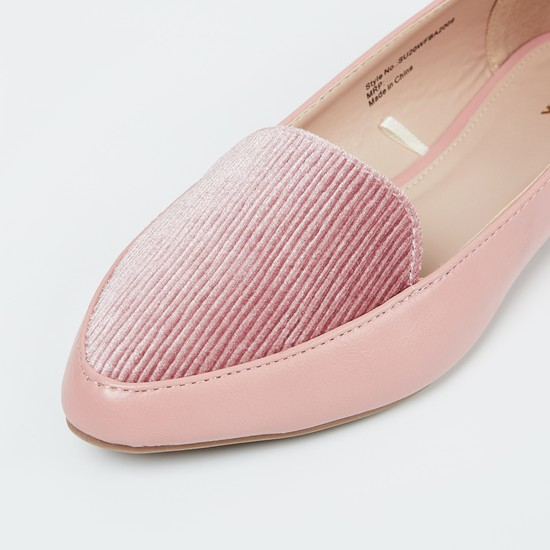 MAX Textured Pointed-Toe Bellies