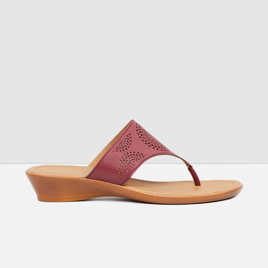 MAX Cut-Out Detail Slip-On Wedges