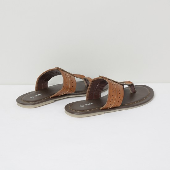 MAX Textured Kolhapuri Sandals