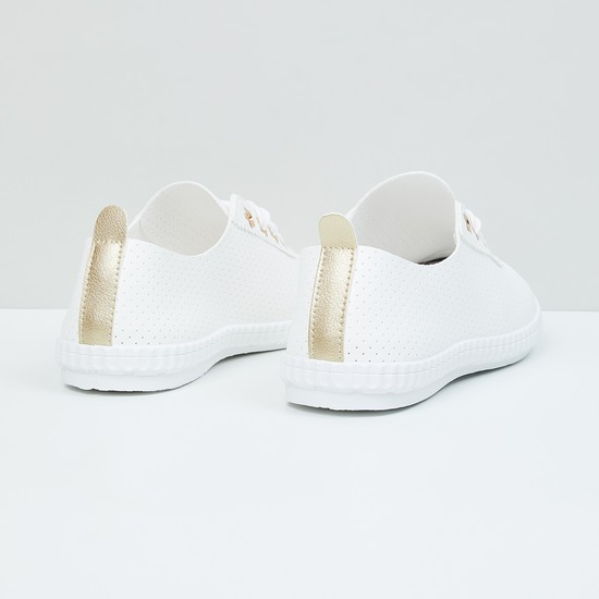 MAX Perforated Lace-up Casual Shoes