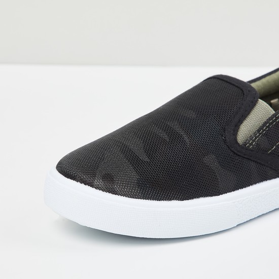 MAX Camouflage Print Slip-On Shoes