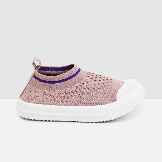 MAX Solid Sock-Knit Shoes