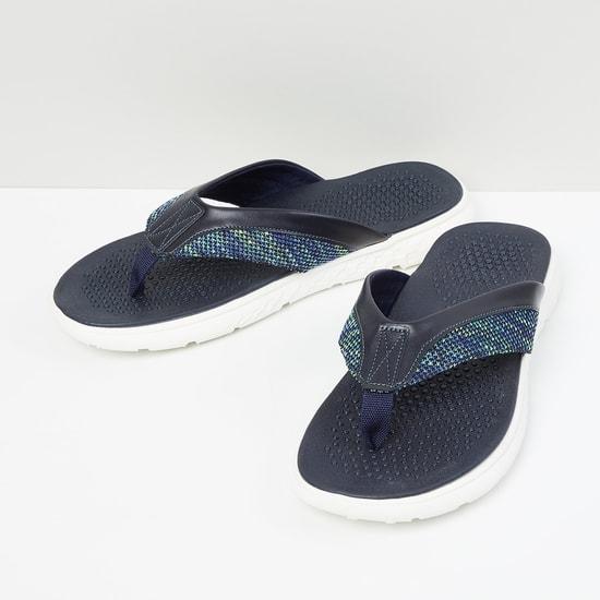 MAX Textured V-Strap Flip-Flops
