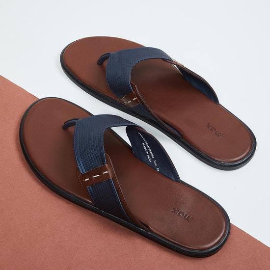 MAX Textured V-strap Sandals