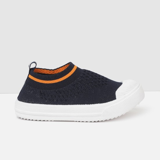 MAX Textured Canvas Shoes