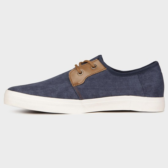 MAX Canvas Sneakers