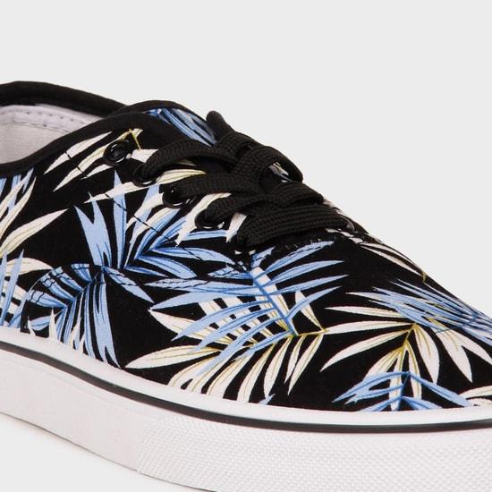 MAX Tropical Print Laceups