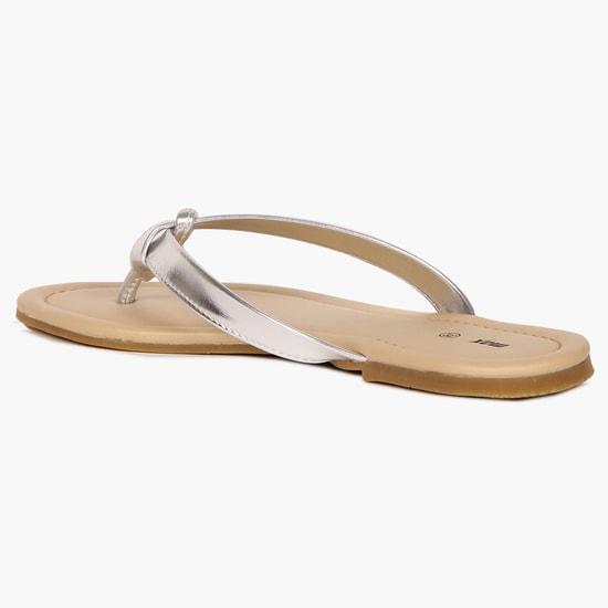 MAX V-Strap Sandals