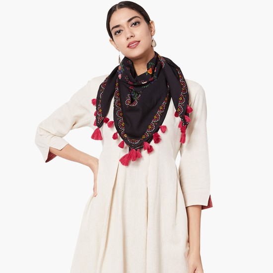 MAX Embroidered Tassel Stole