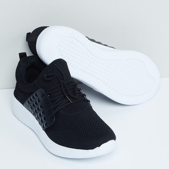 MAX Printed Side Flap Textured Sports Shoes