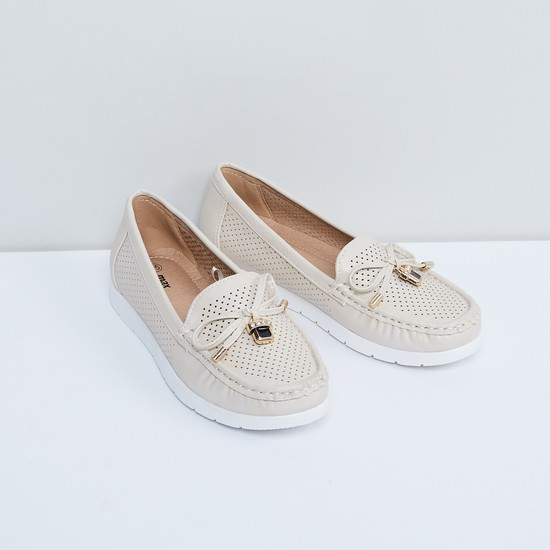 MAX Perforated Bow Detail Shoes
