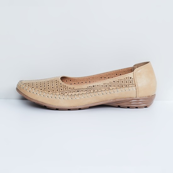 MAX Laser Cut-Out Ballerinas