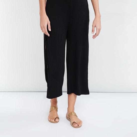 MAX Toe-Ring Flat Sandals