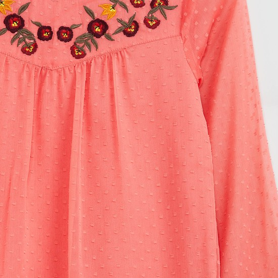 MAX Embroidered Pleat Fall Top
