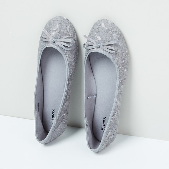 MAX Lace Overlay Bow Detailed Ballerinas