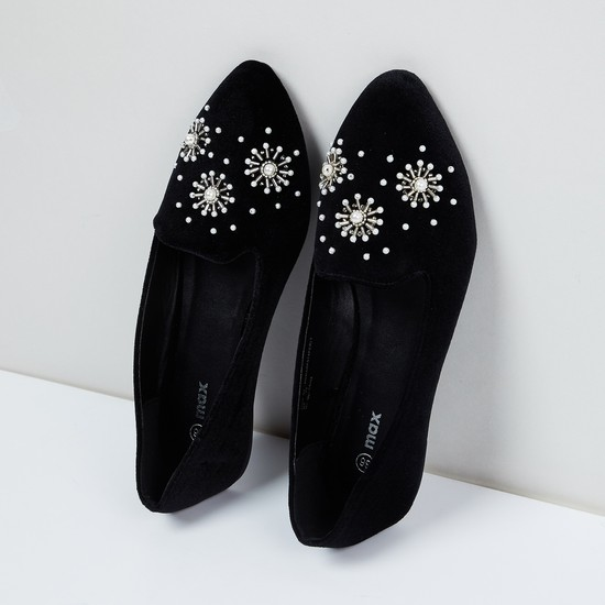 MAX Embellished Pointed Shoes
