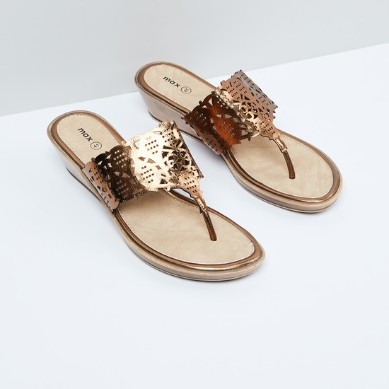 MAX Cut-Out Detail Wedges