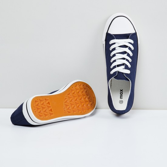MAX Solid Lace-Up Canvas Shoes