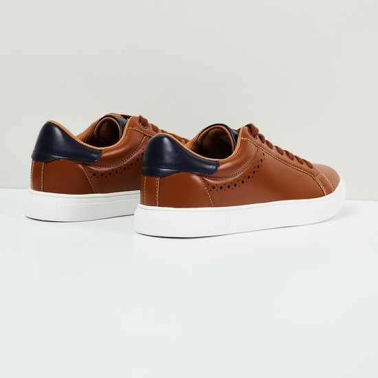 MAX Solid Low-Top Lace-Up Shoes