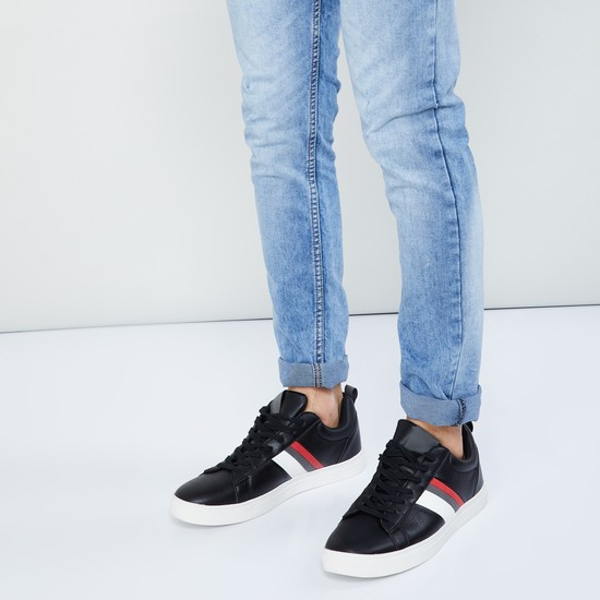 MAX Textured Low-Top Casual Shoes
