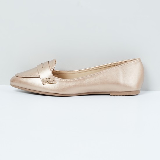 MAX Solid Pointed-Toe Penny Loafers