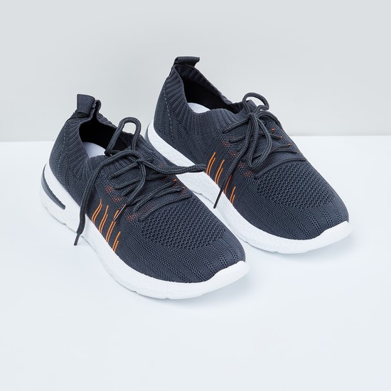 MAX Textured Sports Shoes