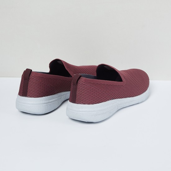 MAX Textured Slip-On Sports Shoes