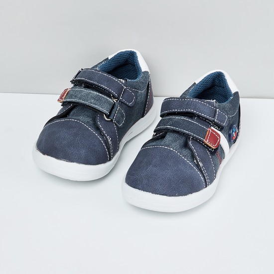 MAX Solid Velcro Strap Shoes
