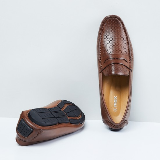 MAX Cutwork Detailed Loafers