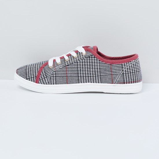 MAX Checked Casual Shoes