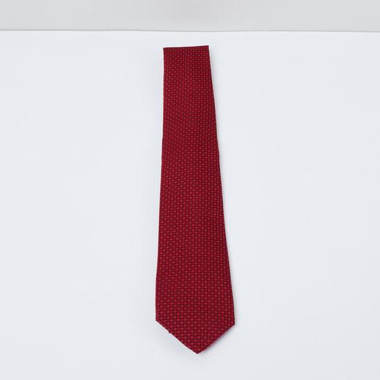 MAX Textured Slim-Fit Tie