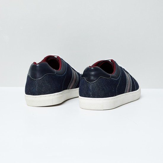 MAX Lace-Up Casual Shoes