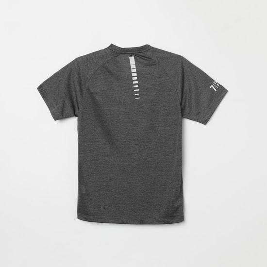 MAX Printed V-neck T-shirt