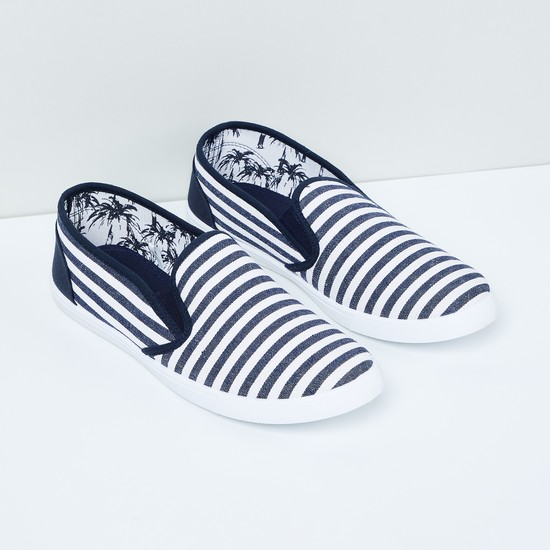 MAX Striped Slip-On Casual Shoes