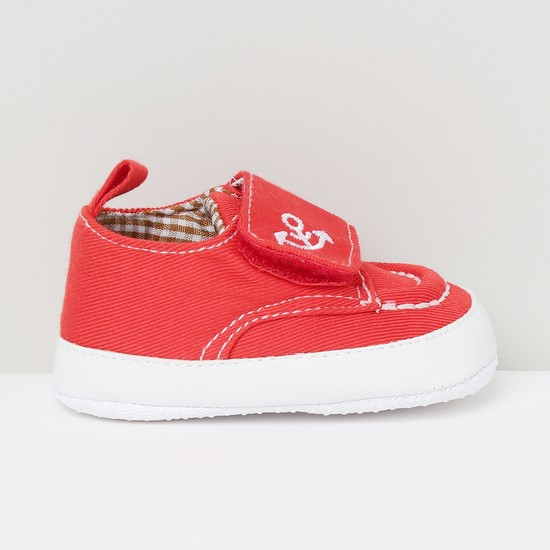 MAX Embroidered Detail Velcro-Strap Casual Shoes