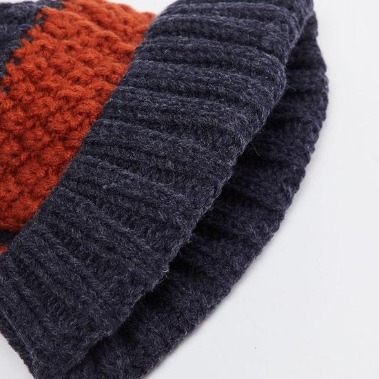 MAX Colourblocked Knitted Beanie