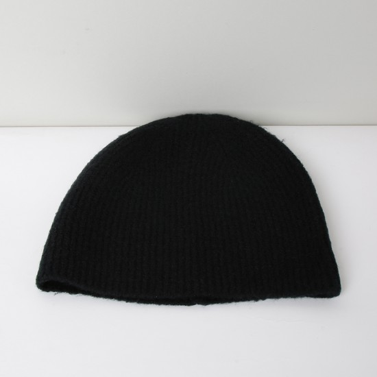 MAX Solid Ribbed Beanie