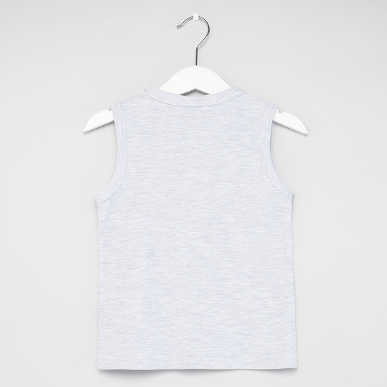 Printed Sleeveless T-shirt with Textured Shorts
