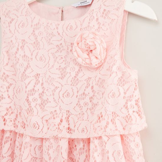 Lace Detail Sleeveless Layered Dress with Floral Applique