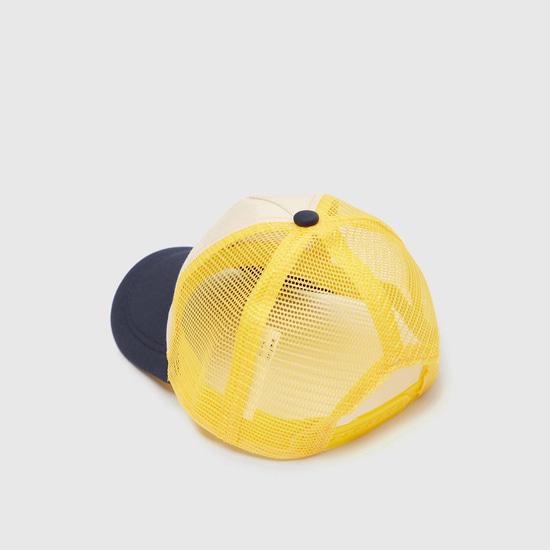قبعة كاب بزر إغلاق وتزيينات