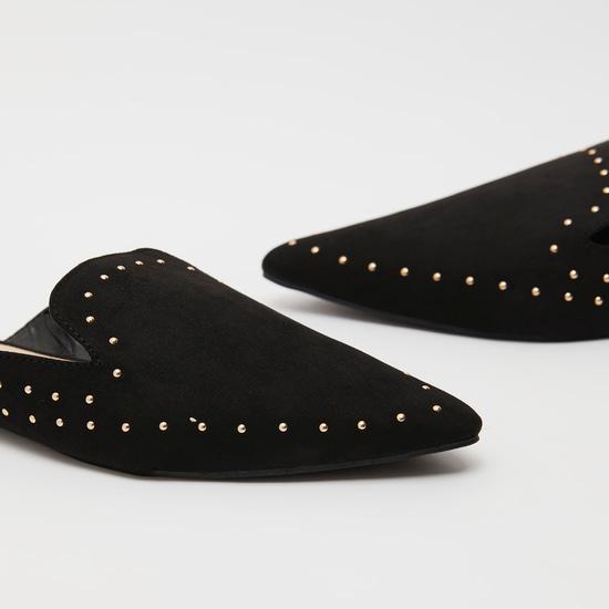 حذاء ميول سهل الارتداءبتفاصيل مرصعة