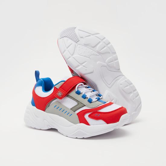حذاء رياضي بتفاصيل شبكيّة سبايدر مان وشريط إغلاق لاصق