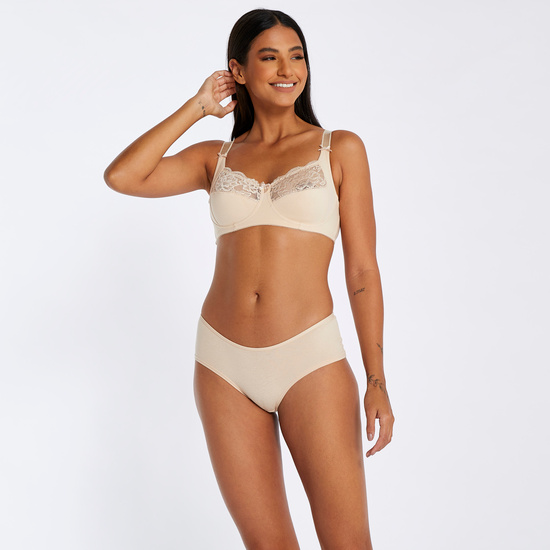 Lace Detailed Non-Wired Bra with Hook and Eye Closure