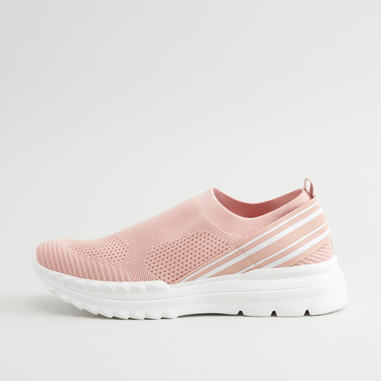 حذاء سنيكرز سهل الارتداء بارز الملمس