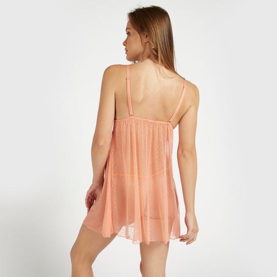 فستان بيبي دول بياقة V وأحزمة قابلة للتعديل وتفاصيل دانتيل