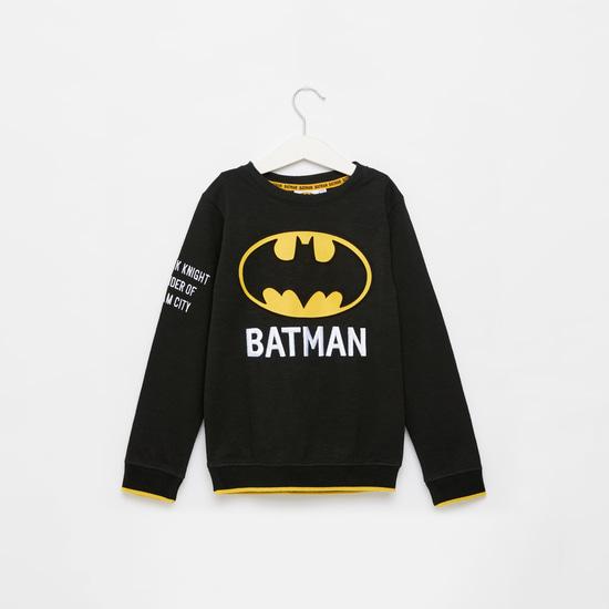 سويت شيرت بياقة مستديرة وأكمام طويلة وطبعات باتمان منقوشة