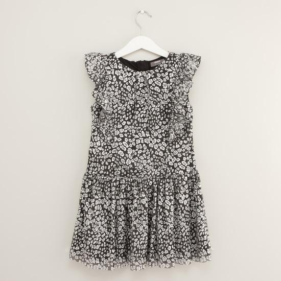 فستان بخصر منخفض وطبعات بالكامل مع أكمام كاب