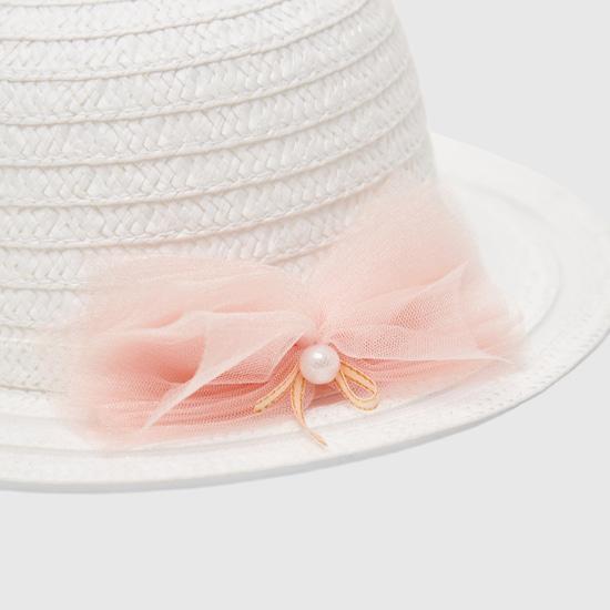 قبعة بارزة الملمس بفيونكة