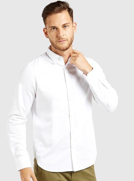 قميص سادة بياقة واسعة وأكمام طويلة