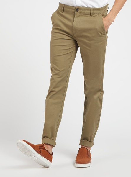 Full Length Skinny Fit Solid Chinos with Pockets and Belt Loops